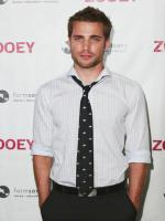 Dustin Milligan Wallpaper