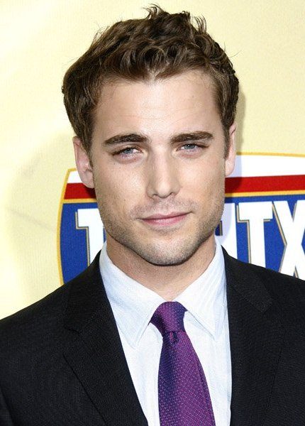 Dustin Milligan i Untitled James Wan Thriller 2013