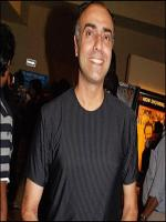 Rajit Kapur in Gathering