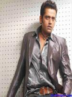 Ravi Kishan Photo Shot