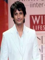 Comedian Sharman Joshi
