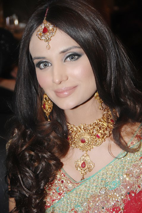 Mehreen Syed Wallpapers