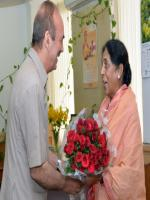 Santosh Chowdhary Reciving Flowers