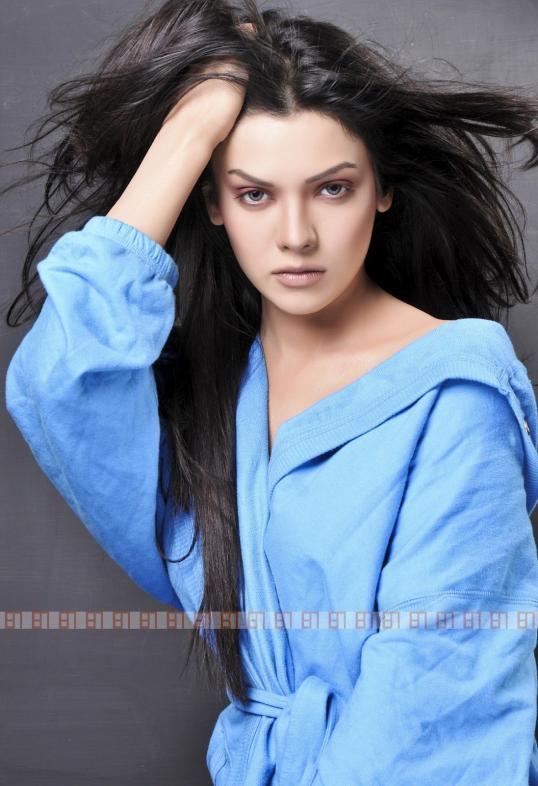Sara Loren Beauty
