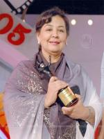 Farida Jalal With Award