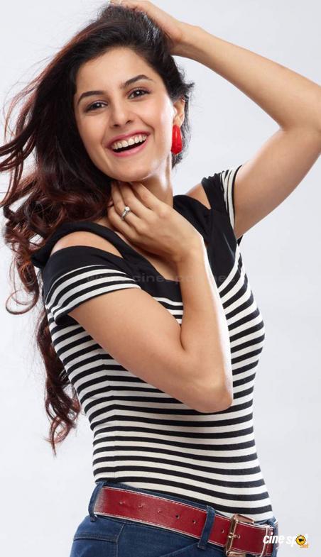 Isha Talwar Modeling Pic