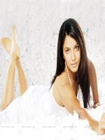 Neetu Chandra Rumantic Pic