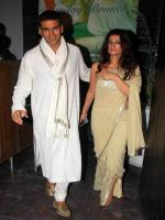 Padma Khanna with Akshay Kumar
