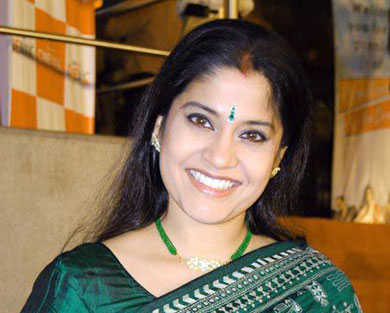Renuka Shahane Modeling Pic
