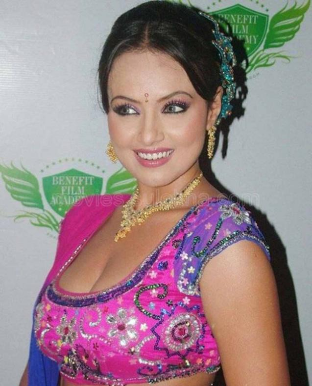 Sana Khan Photo Shot