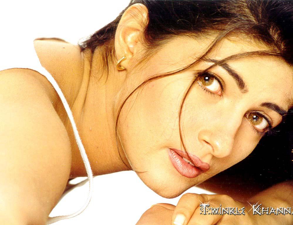 Twinkle Khanna Modeling Pic
