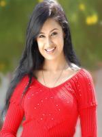 Yuvika Chaudhary in Om Shanti Om