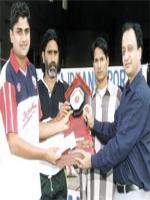 Gagan Khoda Reciving Award
