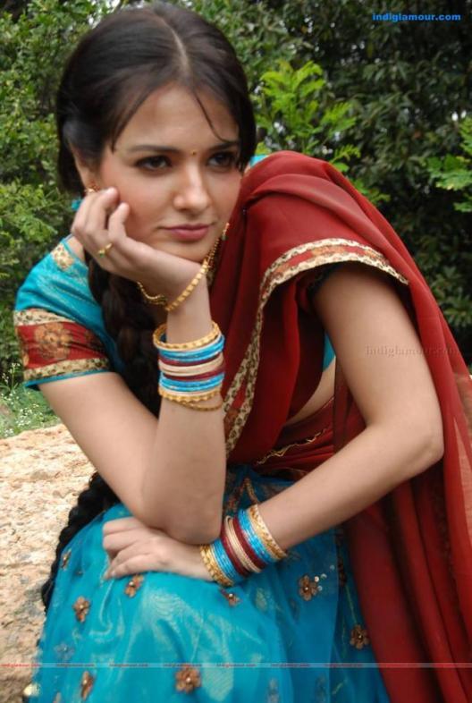 Saloni Aswani in simple dress