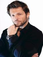 Jamie Bamber in Perception