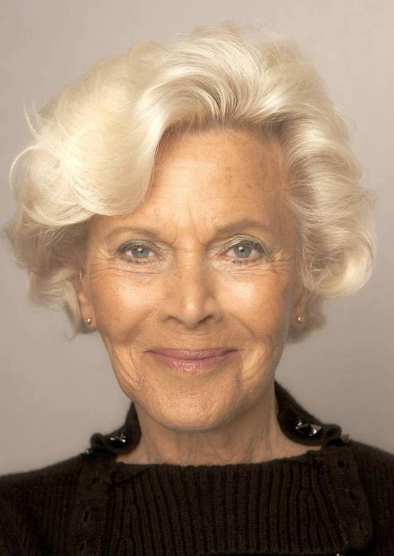 Honor Blackman In Hotel Caledonia 2010 Honor Blackman Photos Fanphobia Celebrities Database