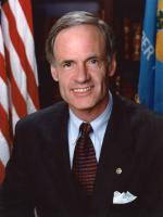 Tom Carper at Committee on Finance