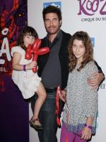 Dylan McDermott with family