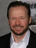 Robert Wahlberg in The Exchange