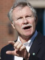 John Kitzhaber at press conference