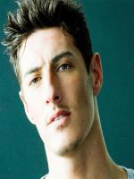 Eric Balfour in Shattered Image