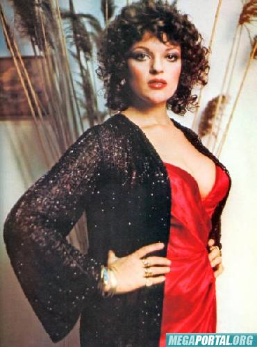 Dana Gillespie in Bad Timing (1980)