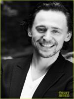Tom Hiddleston in Exhibition