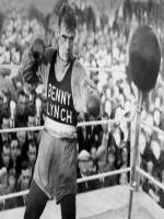 Benny Lynch in ring