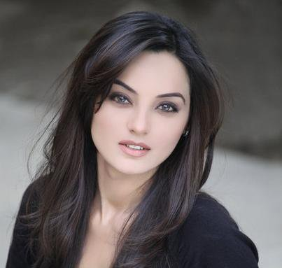 Sadia Khan Profile, BioData, Updates and Latest Pictures