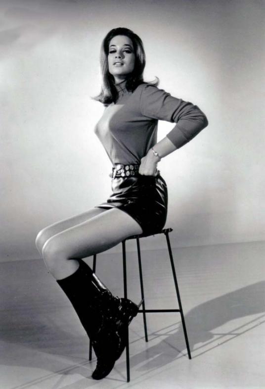 Valerie Leon – Wikipedia