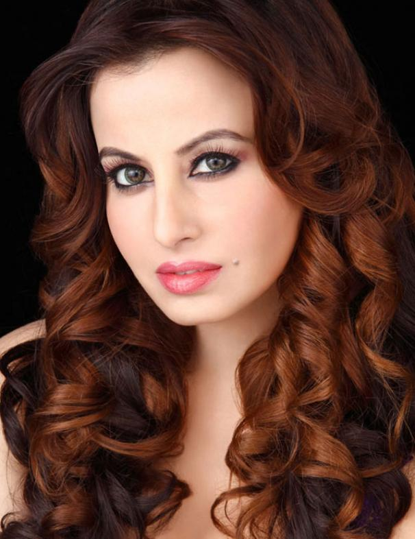 Saira Khan Pakistani model