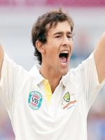 Ashton Agar in Action