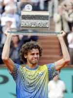 Gustavo Kuerten With Award