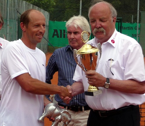 Jens Woehrmann Reciving Award