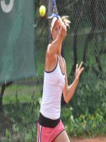 Vanessa Henke in Action