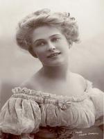 Pauline Chase