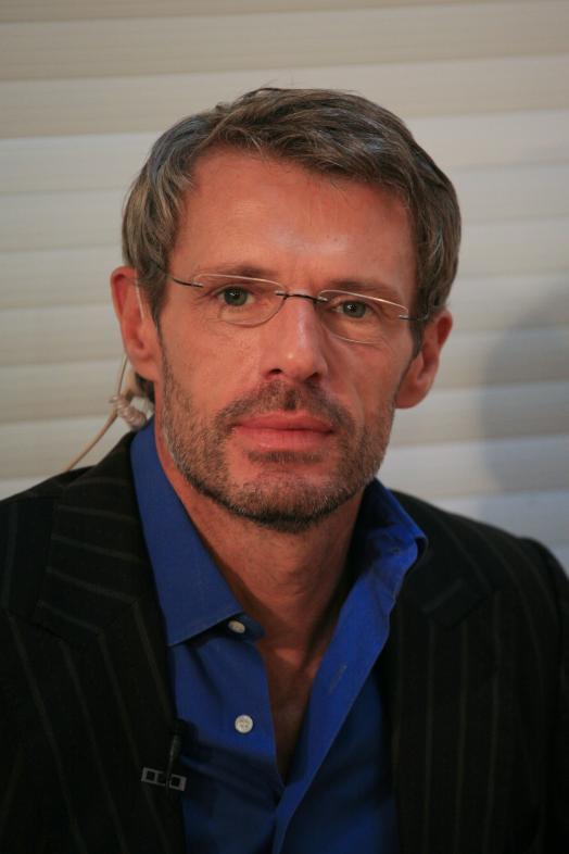 Lambert Wilson in Timeline (2003)