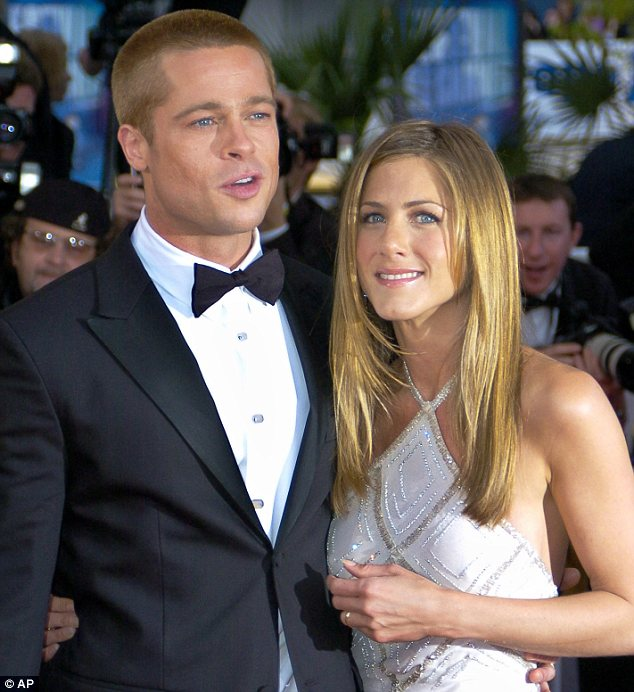 Jennifer Aniston with brad in happy mood