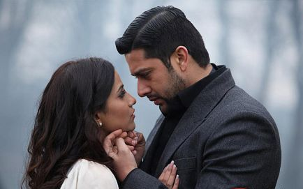 Aftab Shivdasani In a Movie Scene