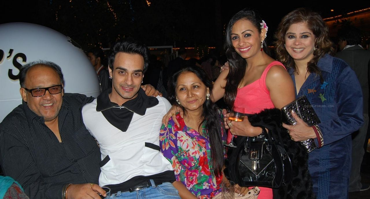Alok Nath, Angad Hasija, Ashita Dhawan and Ameeta Nangiat