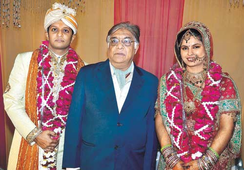 Aanjjan Srivastav and his son