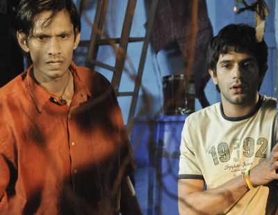 Arjun Mathur in  Barah Aana movie with Naseeruddin