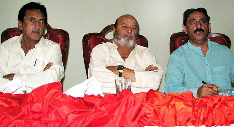 Mumtaz Bhutto Group Photo