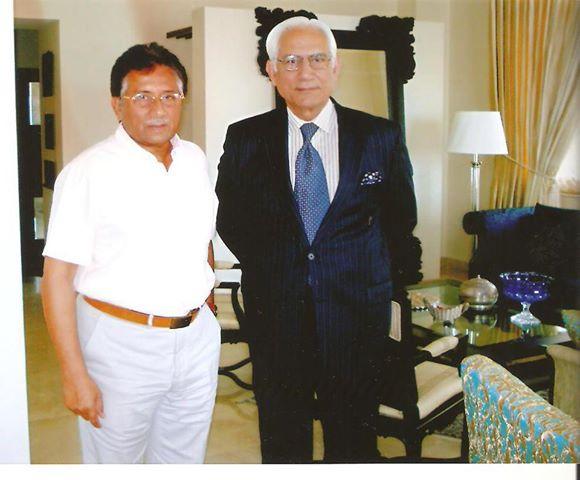 Sahibzada Ahmed Raza Khan Kasuri with Gernal Musharaf