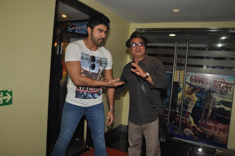Vinay Pathak with Arya Babbar