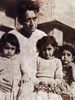 Saadat Hasan Manto With Childerns