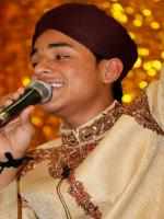 Farhan Ali Qadri While Performing