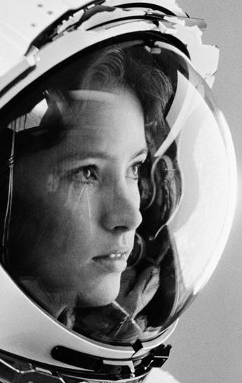 white women astronaut - photo #30