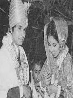 Asrani and Manju Asrani at wedding
