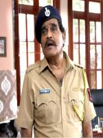 Ashok Saraf performing role of police